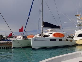 sailing Leopard Catamaran LunaSea